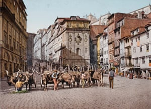The Praça da Ribeira in Porto, Portugal. circa 1903