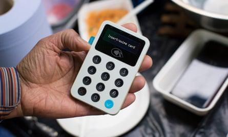 Cashless payment machine
