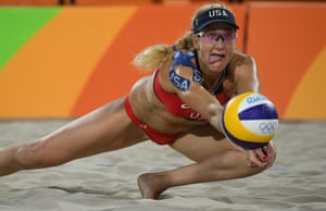USA beat Australia 2-0.