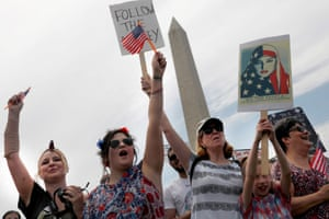 Anti-Trump protestors near the Washington Monument.