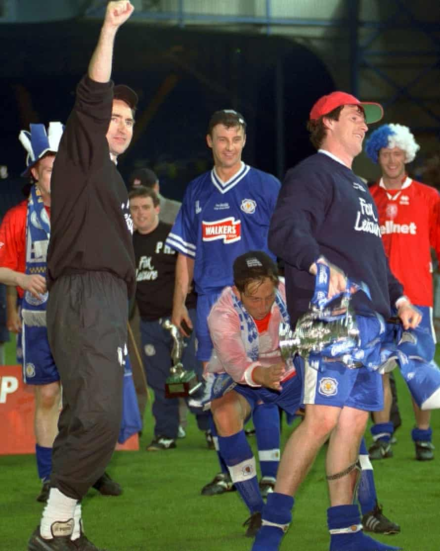 Steve Claridge and Martin O'Neill celebrate Leicester's Coca-Cola Cup final victory over Middlesbrough in 1997.