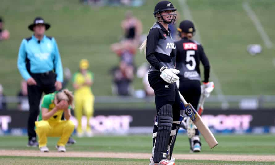 New Zealand's Hannah Rowe watches the winning shot roll to the boundary
