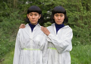 Pu and Pla, twins photographed by Peter Zelewski