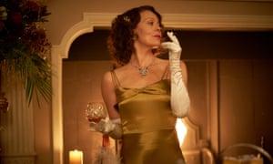 Polly Gray (Helen McCrory).