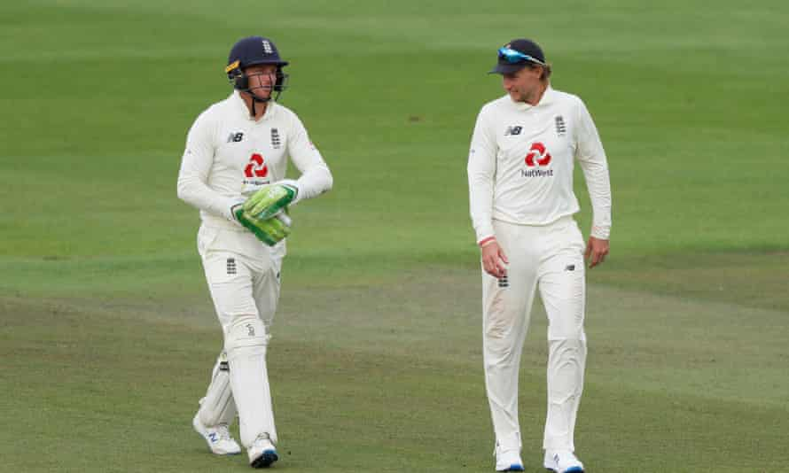 England's Jos Buttler (left) and Joe Root during England's third Test against Pakistan.