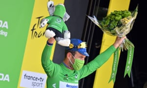 Cav celebrates his 34th stage win.