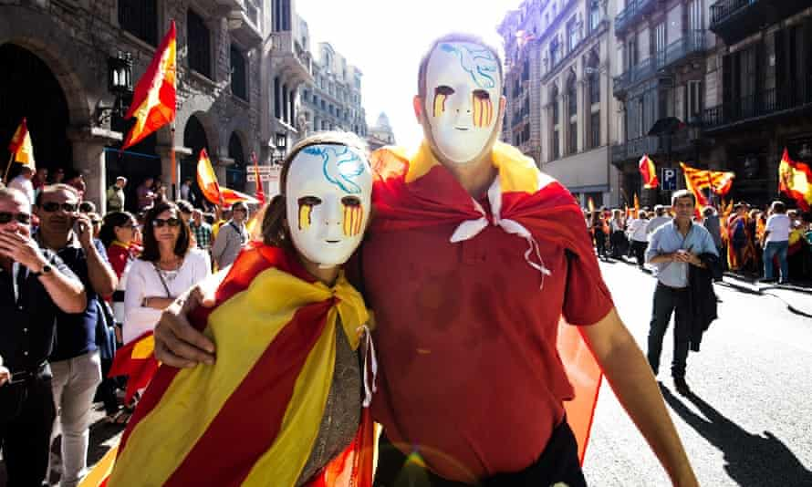 Citizens protest against the independence movement in a march in Barcelona at the weekend.