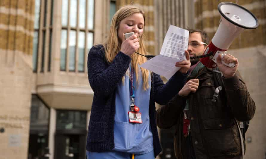 A mental health nurse speaks out against the removal of NHS bursaries outside the Department of Health.