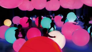 Light Ball Orchestra by the Japanese collective TeamLab