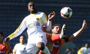 Darius Vassel in action against Aydin Toscali of Kayserispor.