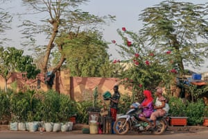 Mamako, Mali – A motorbike made for two