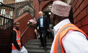 Corbyn visits the mosque.