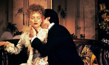 Michelle Pfeiffer as Ellen Olenska and Daniel Day-Lewis as Newland Archer in the 1993 Martin Scorsese adaptation.