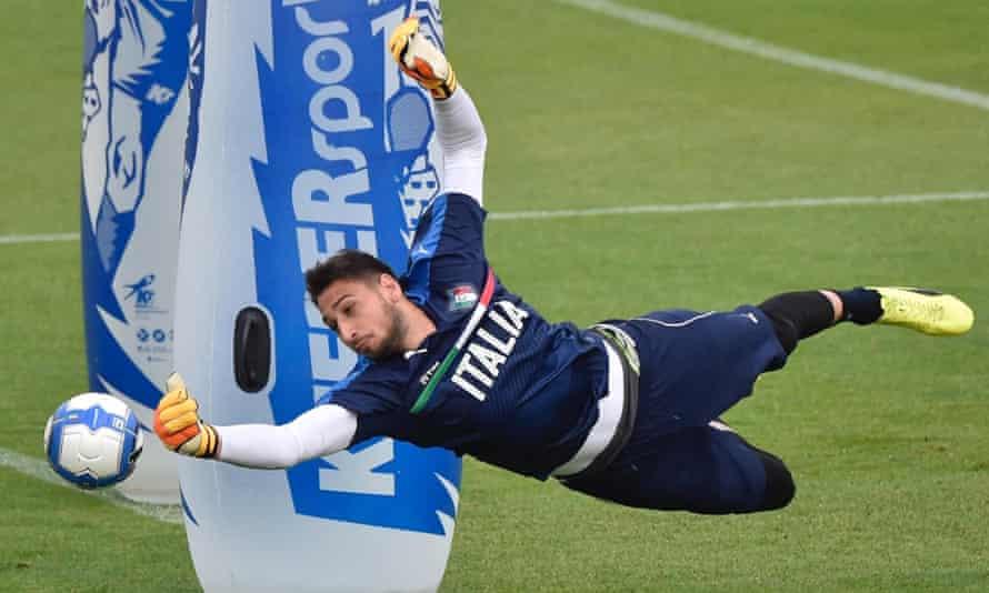 Italy's goalkeeper Gianluigi Donnarumma