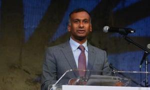 Namal Nawana, CEO of Smith & Nephew, will leave 'by mutual agreement'.