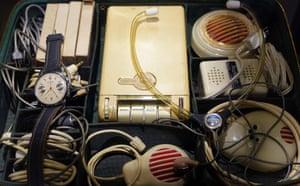 A miniature wire recorder