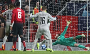 David de Gea of Manchester United makes an athletic save.