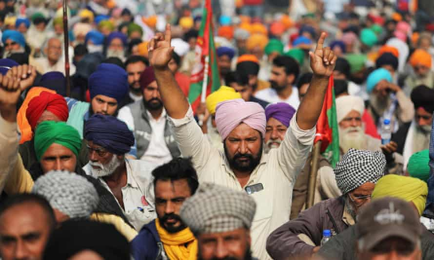 Protesters near Delhi on Friday. A number of leaders around the world have criticized Narendra Modi's handling of the growing crisis.