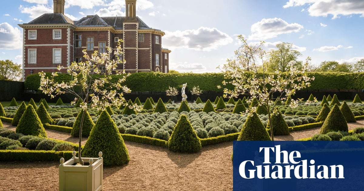 National Trust to give staff siestas in summer