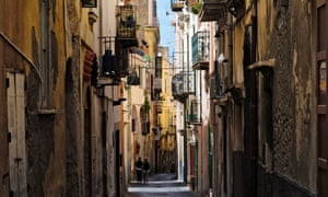 Elena Ferrante depicts the 'charm, contrasts and complexity' of Naples in her latest book