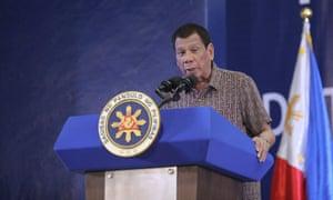 Rodrigo Duterte giving a speech