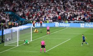 Jordan Pickford of England saves penalty from Jorginho.