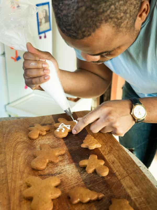 Ice, ice baby: Selasi decorates the gingerbread with icing.