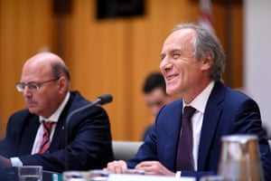 Chief Scientist Dr Alan Finkel takes questions from One Nation senator Malcolm Roberts.