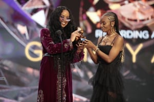 HER and Tiara Thomas accept the award for song of the year