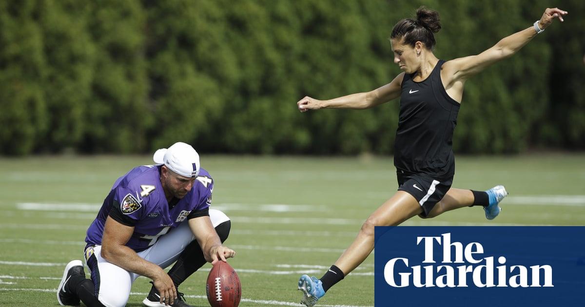 World Cup winner Carli Lloyd nails 55-yard field goal at NFL practice – video