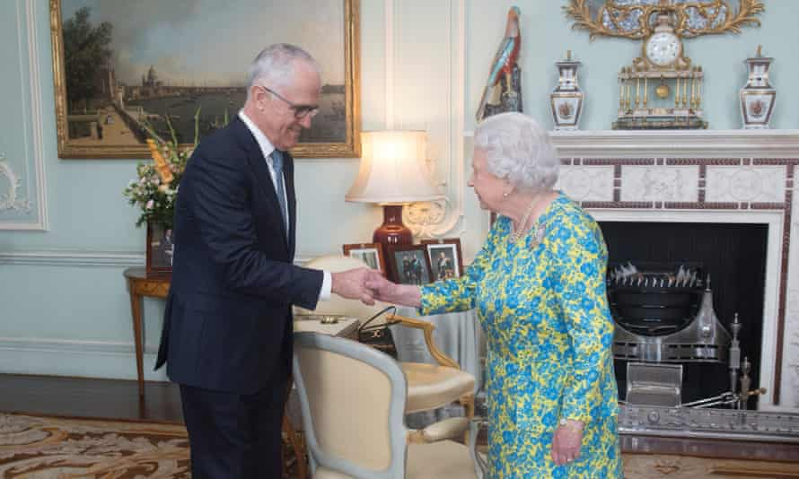 Queen Elizabeth II meets Australian prime minister Malcolm Turnbull at Buckingham Palace in London, England, July 2017.