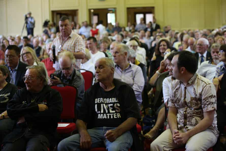 The audience ask questions at Bill Shorten's town hall meeting in Canberra on Thursday.