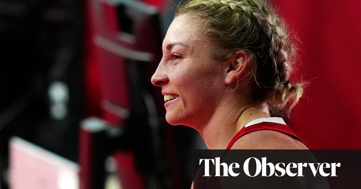 Lauren Price joins Karriss Artingstall in securing Olympic boxing bronze