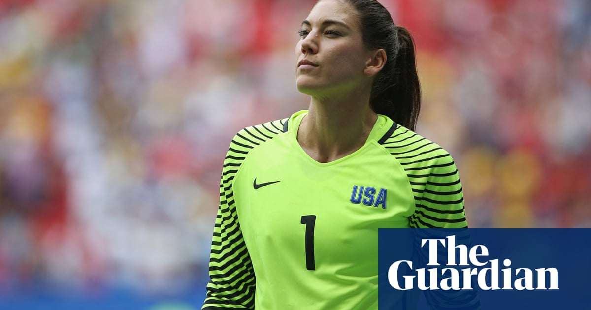Hope Solo says she was bullied in USWNTs privileged mean girls club