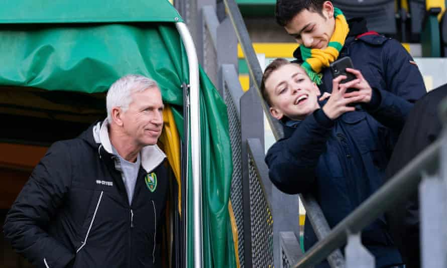 Alan Pardew was appointed in December and could not improve the fortunes of the struggling Dutch club.