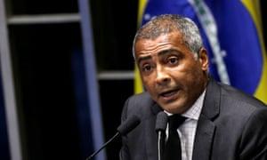 Romário speaks during the impeachment debate.