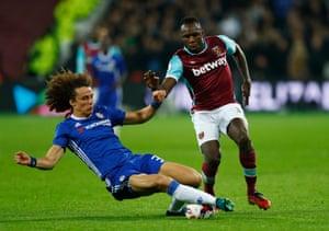Chelsea's David Luiz gets the better of West Ham United's Michail Antonio.