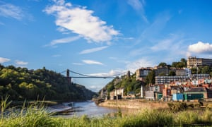 The Clifton suspension bridge straddles the Avon gorge with the river Avon below.
