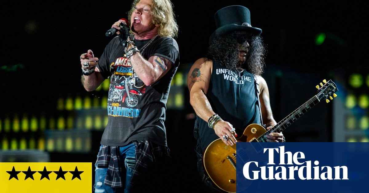 Guns N Roses Review Comeback Show Takes Us To Paradise City