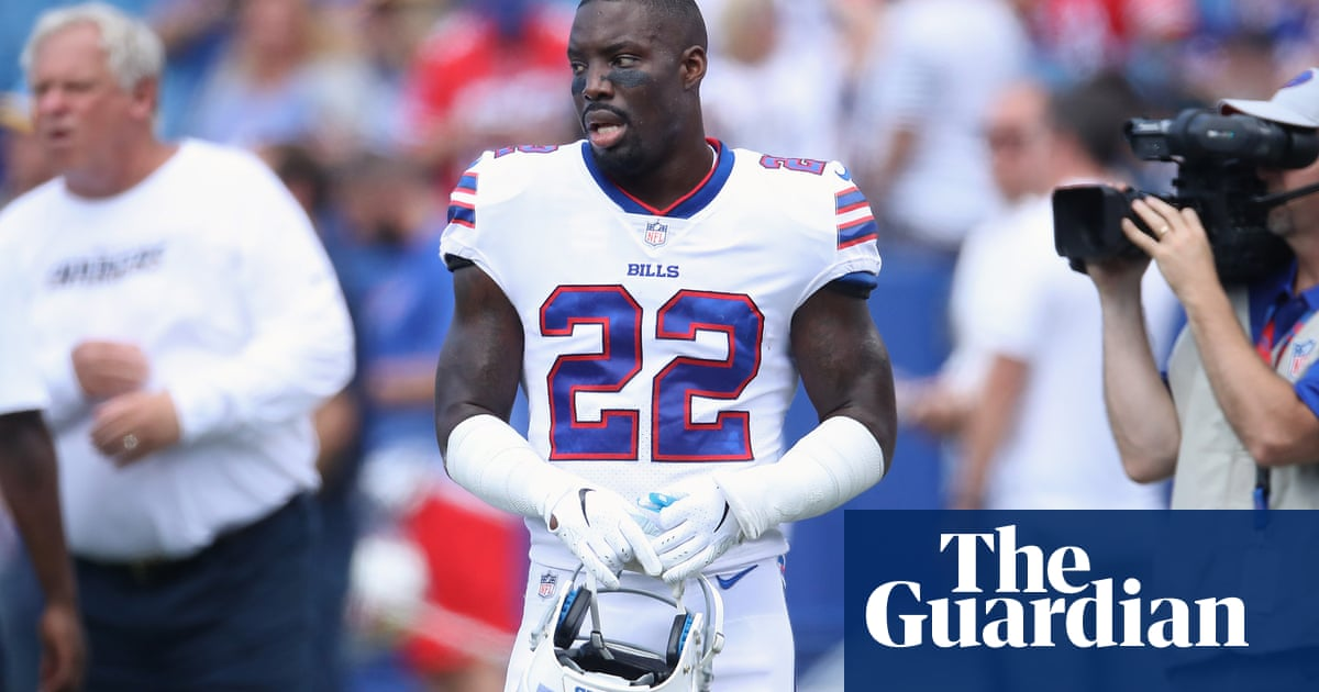 09fcdc1ca 'I shouldn't be out there anymore': why Vontae Davis retired at half-time
