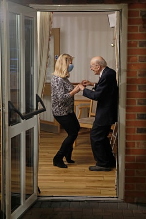Uxbridge, UKPeople dance as Jamie Cullum performs for residents of a care home in a socially distanced performance for the One Show
