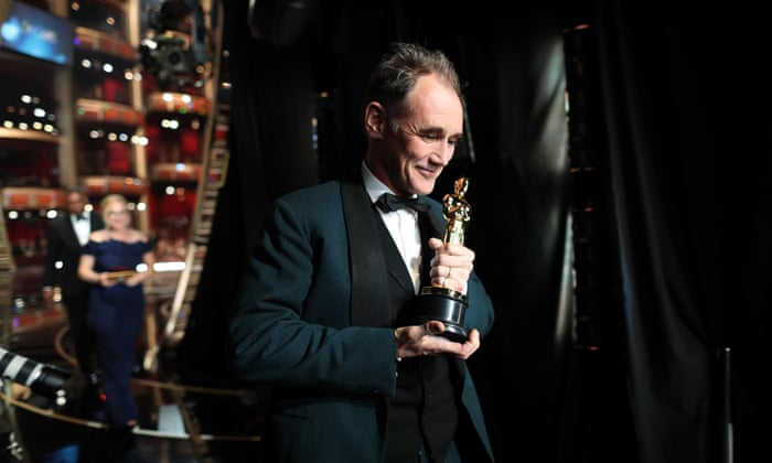 Mark Rylance wins the best supporting actor Oscar for Bridge of Spies - Oscars 2016 Images-Pictures