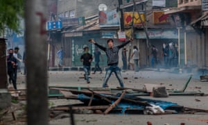 Kashmir Muslims shout anti-Indian slogans after weeks of violence that have left scores dead and thousands injured