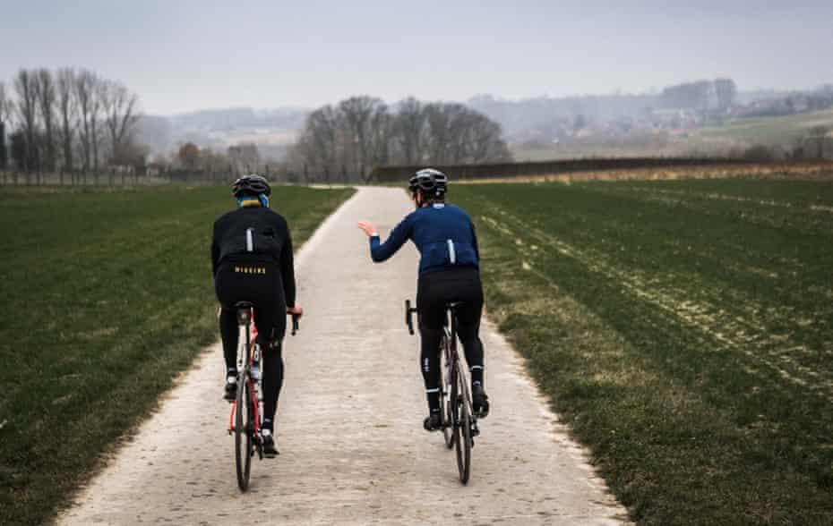 Bradley Wiggins cycling in Flanders