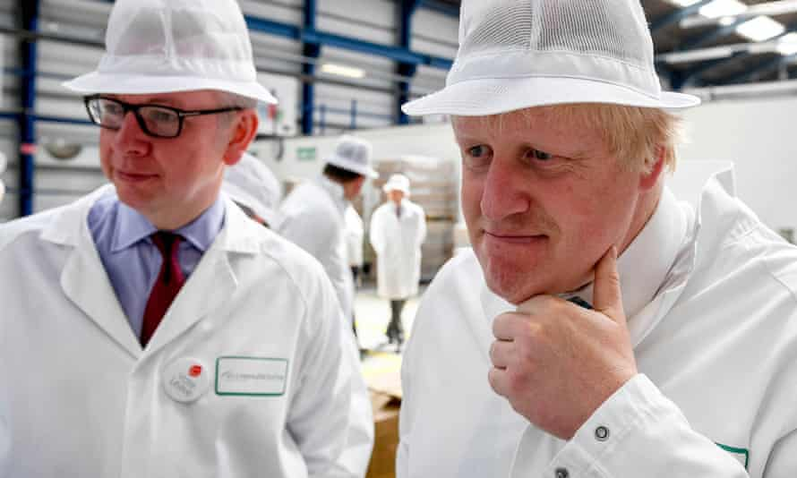 Michael Gove and Boris Johnson campaigning for Vote Leave