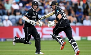 New Zealand's Colin Munro (left) and Martin Guptill had no problem in knocking off Sri Lanka's 137 in Cardiff.