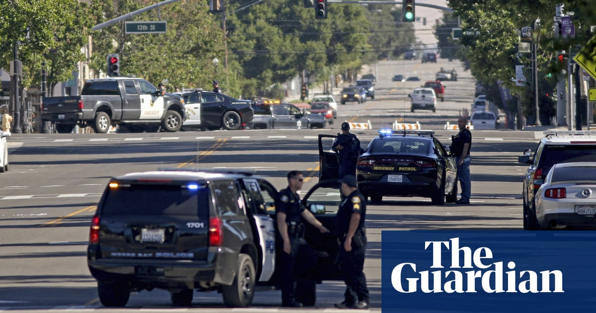 Man accused of ambushing officers killed in California police shootout thumbnail