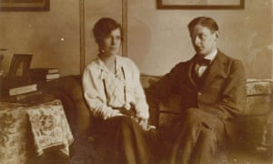 TS Eliot and Vivien Eliot at home in 1916