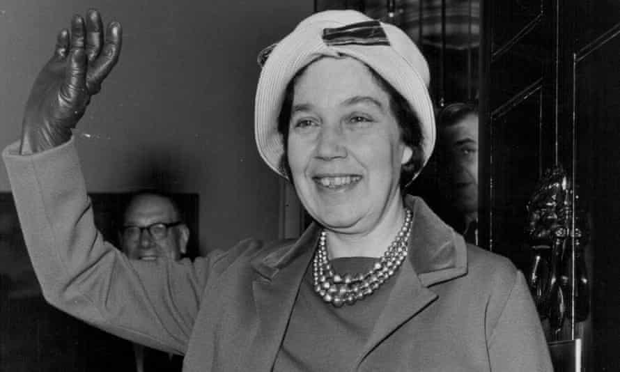 Alice Bacon arrives at 10 Downing Street in 1964.