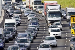 Traffic queues on the M25